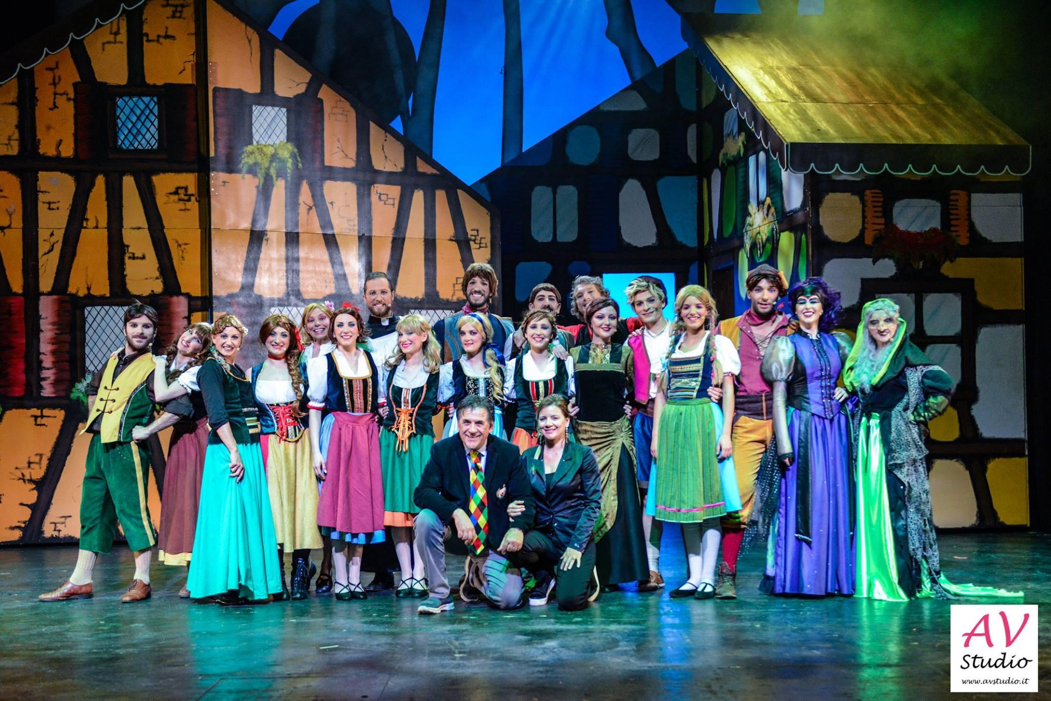 Hansel & Gretel e il Maleficio della Foresta Nera - Teatro Ariston Sanremo dicembre 2016 - La Compagnia del Villaggio